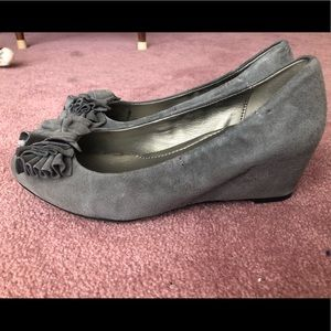 Shoes - Me Too Grey Suede Wedge